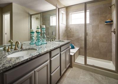Lennar-Sterling-Ranch_Ivy_Master-Bathroom-1