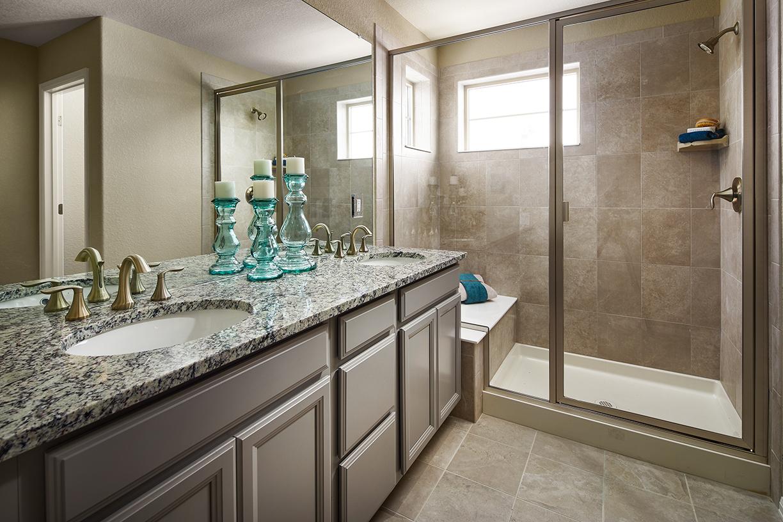 Lennar - Ivy Master Bathroom