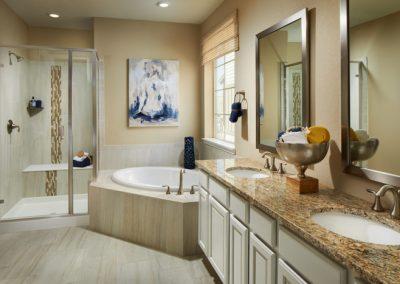 Lennar-Sterling-Ranch_Somerton_Master-Bathroom-700x467