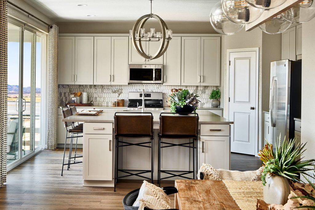 townTaylor-Morrison-Hayden-09-29-20-Dining-to-Kitchen-Web